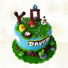 Angry Birds Piggy Theme Cake