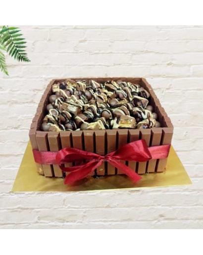 Fudge Kitkat Cake